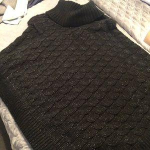 Poncho black and silver